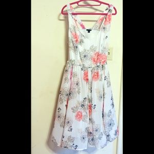 Chiffon Dress Empire waist - 2x Peach Flowers!